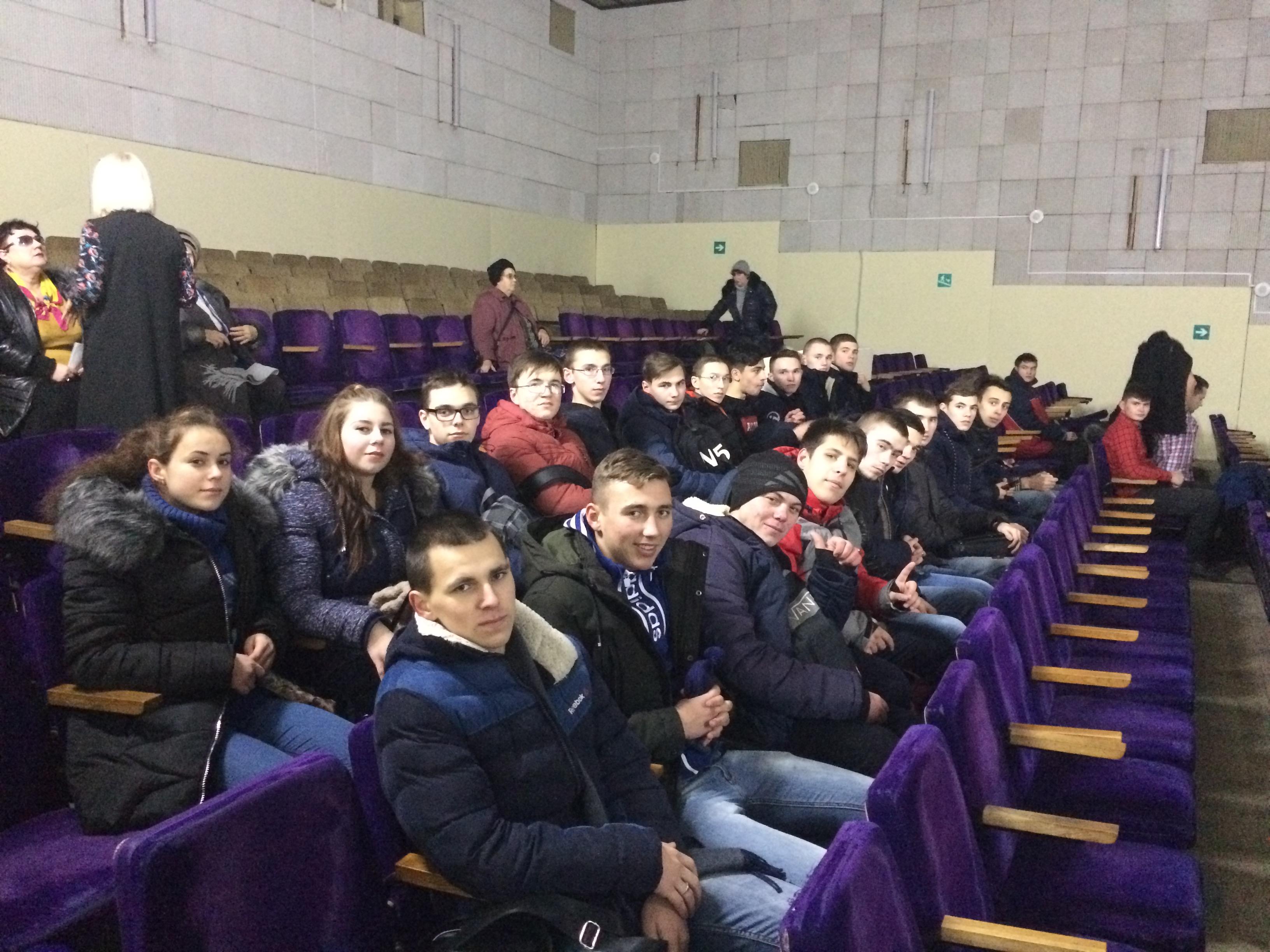 Студенты Волгоградского энергетического колледжа на всероссийской премьере документального фильма  «#Яволонтёр. Истории неравнодушных»